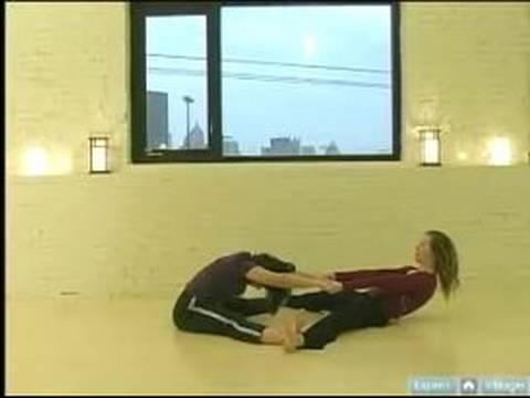 Partner Yoga Pozisyonları : Geniş Bacak Germe İçin Çift: Partner Yoga Pozisyonları
