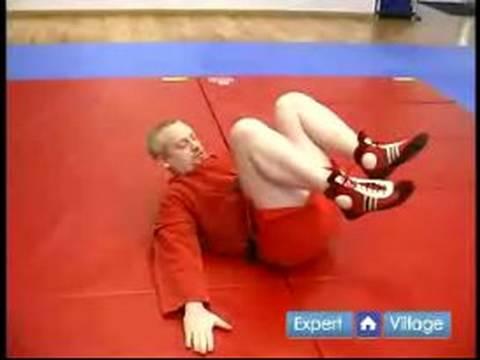 Nasıl Sambo Dövüş Sanatları : Geri Düşüş Sambo Dövüş Sanatları Hareket