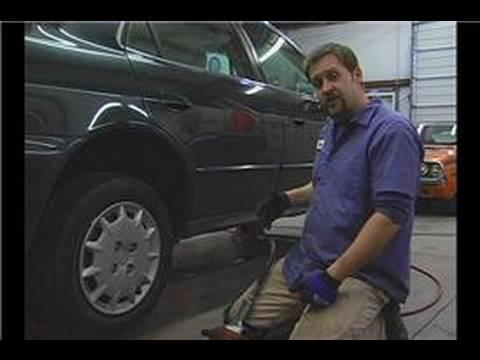 Araba Lastik Rotasyonu İpuçları : Araba Lastik Rotasyonu: Yolcu Yan Tekerlekleri Çıkarın