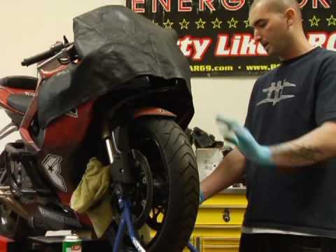 Motosiklet Fren Ve Rotor Değiştirme : Motosiklet Rotor Ve Fren Yedek: Ön Tekerlek Yükleyin