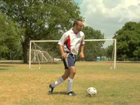 Nasıl Bir Futbol Topu Sürmek İçin