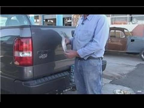 Araba Tamir Ve Bakım: Nasıl Bir Araba Bayilik Çıkartmaları Kaldırmak İçin