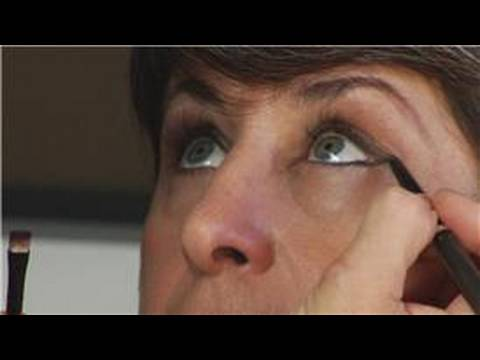 Makyaj Teknikleri : Makyaj Kedi Gözü Oluşturma