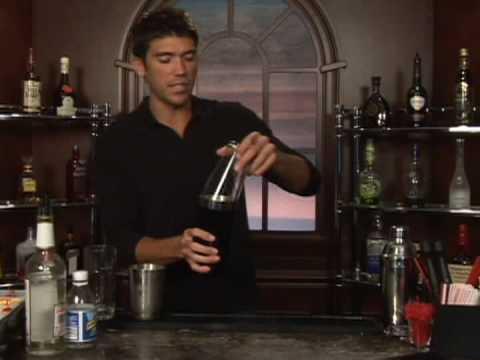 Cin: Bölüm 2: Nasıl Billy Taylor Karışık İçki Yapmak