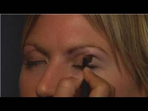 Yeni Başlayanlar İçin Göz Makyajı Nasıl Yapılır Makyaj Uygulaması :