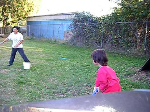 3 Ve 13 Yaşındaki Oyun Beyzbol Birlikte