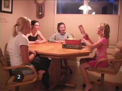 Nasıl Bir Aile Oyunu Gece Var