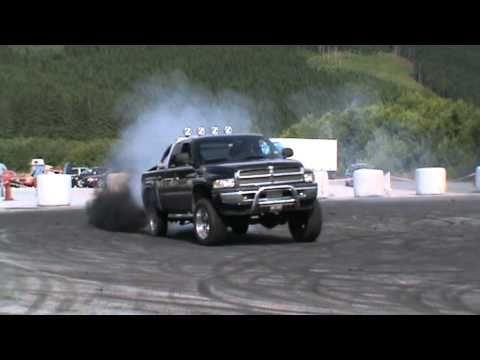 Dodge Ram 2500 Cummins Sürüklenen.