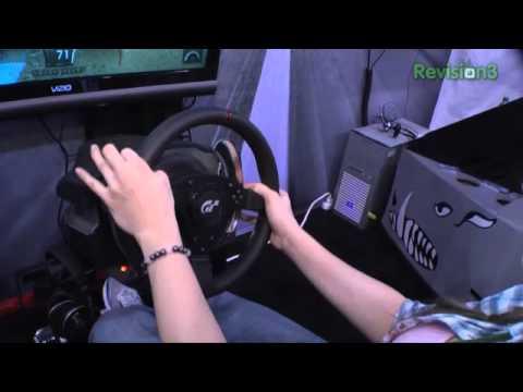 Hak5 - Ces 2011 - Thrustmaster T500R Kayalar Gran Turismo 5 Zor!