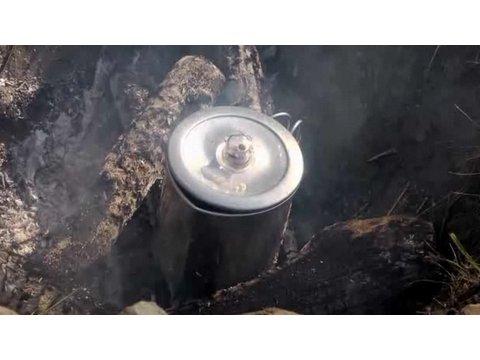 Nasıl Kahve Pot Kamp Bir Süzücü Kullanılır