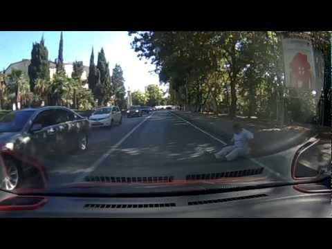 Şişman Adam Araba İle Vurmak