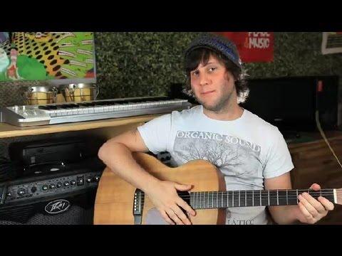 Solak Bir Gitar Baş Aşağı Oynamak Ve Sağ Elini Kullanan Bir Guı Gibi Akort Etme... : Gitar Dersleri