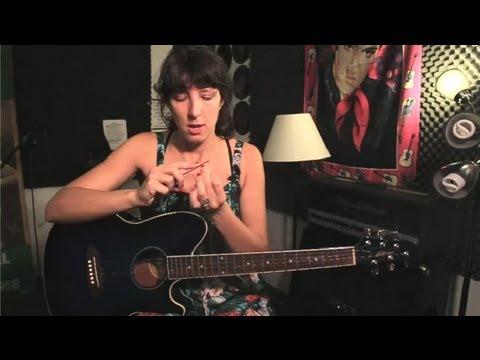 Nasıl Bir Tırnak Törpüsü Üzerinde Gitar Nasır Kullanılır: Guitar İpuçları Ve Bakım