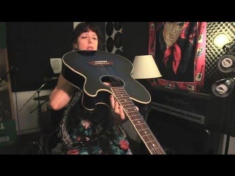 Nasıl Anlaşılır Bir Gitar Çalışma İhtiyacı Varsa: Gitar İpuçları Ve Bakım