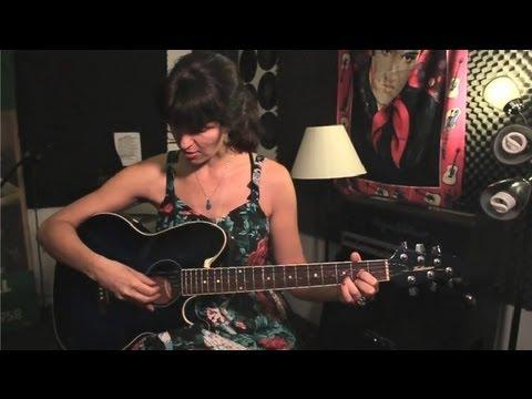 Nasıl Bir Gitar Ve Atla İki Notlar Oynamak İçin Bir Dize: Guitar İpuçları Ve Bakım