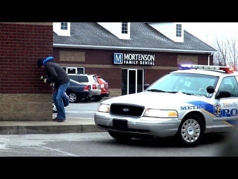 Epik Shake Ağırlık Şaka Polis Üzerinde
