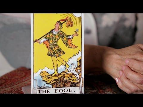 Nasıl Tarot Kartları Aptal Kartı Okumak İçin