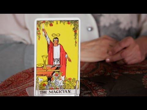 Nasıl   Tarot Falı Büyücü Kartı Okumak İçin
