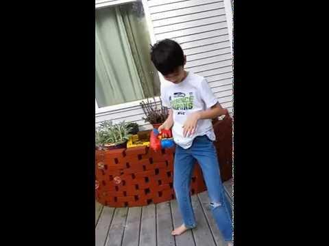 Paskalya Pazar Bubble Gun Fun!